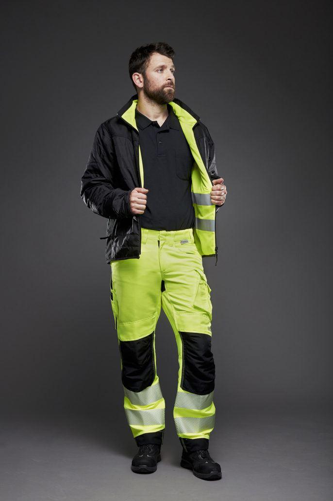 Arbejdsbukser og vendbar jakke